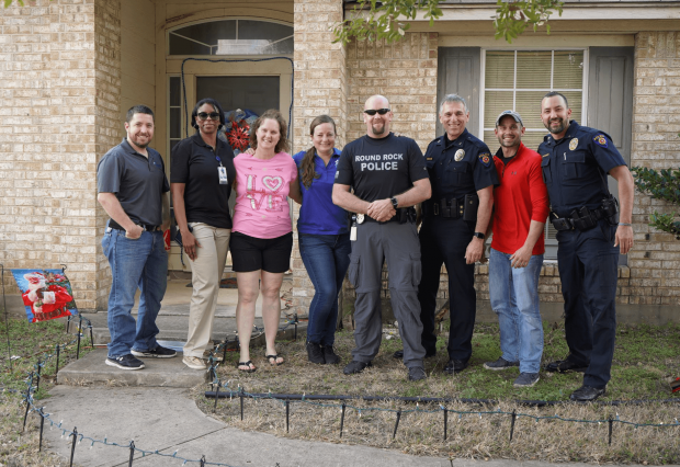"""Round Rock police help """"Light up the Holidays"""""""